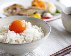 美味しい卵をたくさんいただいたり賞味期限がせまってきて困った、なんて経験ありませんか?そんなときは、お肉や野菜のように卵も冷凍しましょう。卵の冷凍は、日持ちが良くなるのはもちろん、食感が代わり全く違った美味しさを生みだします。冷凍保存の方法から冷凍卵を使ったレシピまで、試してみたくなる冷凍卵についてまとめました。