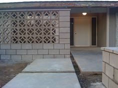 entry way with screen block wall – Breeze Blocks Village House Design, Decorative Concrete Blocks, Modern Fence Design, Screen Block, Breeze Blocks, Breeze Block Wall, Modern Courtyard, Backyard Seating Area, Concrete Decor