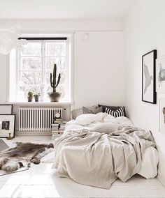 via @nakdfashion  #worldsuniquedesigns #günaydın #goodmorning #gutenmorgen #bomdia #buenosdías #bonjour #boungiorno #loveit #bedroom #cactus #bedroomideas #fresh #white #bedroomstyle #bedroomdecor #dekorasyon #yatakodası #kaktüs #interior #interiorstyling #interiordesign #interiordesigner #designlove #içmimari #içmimar #tasarım #yatak #interiorlove