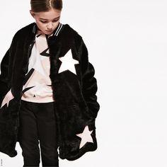 Los abrigos de piel para niñas más fashion de este invierno 2017 #abrigosdepiel #furcoats #girlsfurcoats #furjackets #girlsfurjackets #winter2017 #girlsclothes #kidsfashion #modainfantil #modaparaniñas #abrigosparaniñas #niñas #invierno2017 Image from @msgm