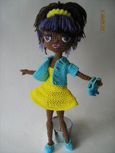 Новые наряды для старых кукол   Вязание крючком игрушки.