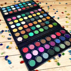 Glow Palette, Makeup Palette, Eyeshadow Palette, Zodiac Signs Meaning, 12 Zodiac Signs, Skin Makeup, Makeup Brushes, Beauty Makeup, Unicorn Makeup