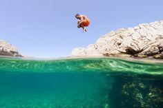 Underwater Photography - How To Take Underwater Photos via www.thewanderinglens.com