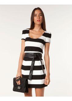 0aa938b381 A(z) Csíkos nevű tábla 88 legjobb képe | Stripes, Black, white és ...
