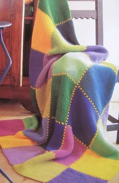 Stricken Sie Ihre mehrfarbige Decke – Guadalupe Pankratz – Join the world of pin Patchwork Blanket, Crochet Blanket Patterns, Crochet Stitches, Knitting Patterns, Crochet Bedspread, Diy Crafts Knitting, Knitting Projects, Crochet Projects, All Free Crochet