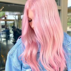 hair reference Wondering how to get bubblegum pink hair We tapped a pro to find out everything you need to know about the bubblicious shade. Light Pink Hair, Pastel Pink Hair, Hair Color Pink, Dusty Pink Hair, Long Pink Hair, Violet Hair, Cute Hair Colors, Hair Dye Colors, Cool Hair Color