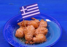 A traditional recipe and how to video for Loukoumades, the delicious Greek fried puffs with honey. Greek Sweets, Greek Desserts, Gourmet Desserts, Greek Recipes, Delicious Desserts, Dessert Recipes, Greek Fries, Cypriot Food, Greek Cookies