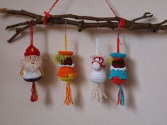 Creatief bezig: Zie ginds.... Holiday Crochet, Knit Crochet, December, Christmas Ornaments, Knitting, Holiday Decor, Bubbles, Crafts, Diy