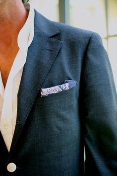 pocket handkerchief, button-shirt coordination/pop, casual comfort