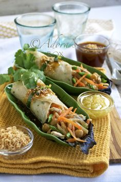 ADORA's Box: LUMPIANG SARIWA (FRESH SPRING ROLLS) Love the layout for this recipe. Easy-peasy :)