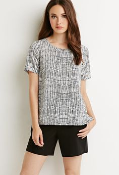 Contemporary Abstract Grid Print Top | Forever 21 - 2000080702