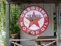 Texaco Gasoline Motor Oil http://www.flickr.com/photos/smokey2006/2482522582/