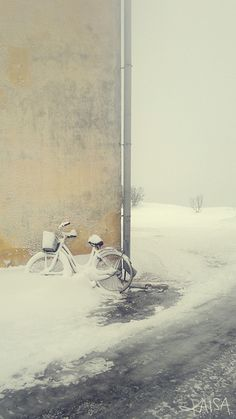 I love bikes and snow! This photo is really cool!
