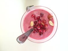 Banana, raspberry yoghurt smoothie with peanut butter!