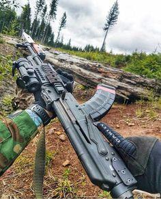 RAE Magazine Speedloaders will save you! Military Weapons, Weapons Guns, Guns And Ammo, Armas Wallpaper, Battle Rifle, Shooting Guns, Custom Guns, Cool Guns, Assault Rifle