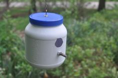 Great project for the kids. Bird house from a peanut butter jar. Kids can decorate it in the colors of their choice.