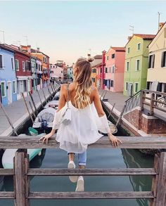 The canals! Love the colors @ohhcouture #fashionblogger #fashionbloggers #hypebeast #highsnobiety #streetstyle #streetfashion #streetlook #outfitinspiration #fashiongram #fashionpost #fashionaddict #fashionblog #fashionable #fashionstyle #menswear #fashionformen #fashiondiaries #fashionlovers #fashionlover #outfitpost #outfitoftheday #todaysoutfit #ootd #whatiworetoday #currentlywearing #wiw #whatiwore #aboutalook #stylegram #styleblog
