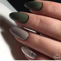 Semi-permanent varnish, false nails, patches: which manicure to choose? - My Nails Cute Nails, Pretty Nails, Olive Nails, Nailart, Gel Nail Art Designs, Nails Design, Best Acrylic Nails, Manicure E Pedicure, Green Nails