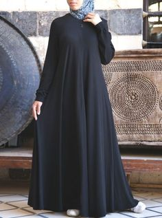 SHUKR's long dresses and abayas are the ultimate in Islamic fashion. Halal standards, ethically-made, international shipping, and easy returns. Hijab Style Dress, Modest Fashion Hijab, Abaya Fashion, African Fashion Dresses, Abaya Style, Indian Dresses, Habits Musulmans, Jersey Maxi, Moslem Fashion