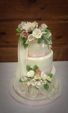 ivory and rose wedding cake - Cake by victoria's cakes & cupcakes
