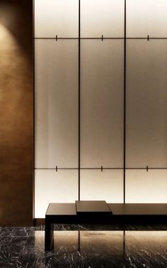 Inspired by Shoji screen? Great design to use washi paper Wall Partition Design, Feature Wall Design, Partition Ideas, Spa Design, Modern Design, Interior Sliding French Doors, Interior Walls, Interior Design, Linear Lighting