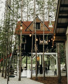 "upknorth: ""Keep to the woods. Treehouse cabin shot by (at Treehouse Retreat) "" Creative Architecture, Space Architecture, Cabin Design, Small House Design, Get Outdoors, The Great Outdoors, Beautiful Buildings, Beautiful Homes, Treehouse Cabins"