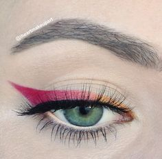 - Line the upper lash line with Makeup Geek Chickadee coming in 1/3 of the way. - Follow by lining the center of the lid with MUG Mango Tango. - Finish by  lining the outer 1/3 of the lash line with MUG Razzleberry creating a wing at the edge. - Pat MUG Vanilla Bean on the lower waterline. - Curl your lashes, put on a coat of your favorite mascara and a great set of lashes to finish.