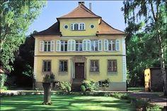 Castelul Hochdorf gazda trabucurilor Laura Chavin....