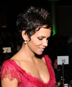 10 Wedding Hairstyle Ideas For Short Hair (Because People With Short Hair Get Married Too!): Save the Date