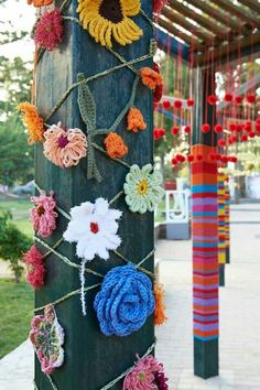Yarn Bombing in Greece.... Flowers on a loom?