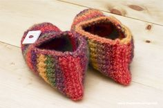 Crochet Pattern: Rainbow Striped Slippers | The Zen of Making