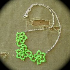neon tatting....my favorite color.