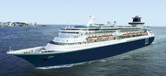 Barco Monarck por el mar