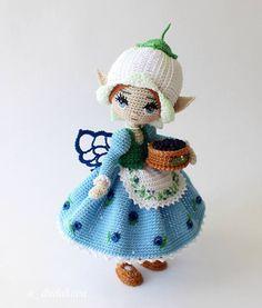 """Добрый день, девочки!  Знакомьтесь-Арлуэль! О, это """"модница-сковородница"""" и этим все сказано!  Она до последнего, практически, до выхода из дома, не знала, что надеть) #перемерилавсё  P.S. На куклу вечером будет ,непродолжительный по времени, аукцион. Время уточню позже. _______________________________________  Today will be an AUCTION for this doll _______________________ #вяжите_красиво #вяжите_с_удовольствием #artdoll #collectiondoll #amigurumidoll #туесок"""