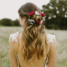 A stunning backless dress, Southwestern styling, and the most beautiful moments captured by Melissa Green Photography!