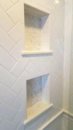 57 Amazing Small Master Bathroom Tile Makeover Design Ideas - Page 54 of 60 Bad Inspiration, Bathroom Inspiration, Bathroom Renos, Bathroom Renovations, Toilette Design, Interior Minimalista, Shower Niche, Diy Shower, Shower Floor