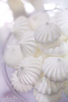 white merengue cookies