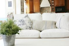 Great blue pillows with white slipcover sofa Home Living Room, Living Room Decor, Living Spaces, Furniture Slipcovers, Slipcover Sofa, Ektorp Sofa, Ikea Sofa, Living Room Inspiration, Interior Decorating