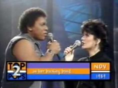 Don't know much ( with lyrics ) - Linda Ronstadt and Aaron Neville.One of my top 10 favorite songs 80s Music, Music Mix, Music Love, Music Songs, Good Music, Music Videos, Dance Videos, Linda Ronstadt, Silly Songs