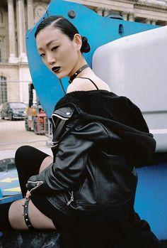 Paris Fashion Week by Yu Fujiwara / Sora Choi Dark Fashion, Minimal Fashion, Grunge Fashion, 90s Fashion, Fashion Outfits, Fetish Fashion, Fashion Models, Grunge Style, Soft Grunge