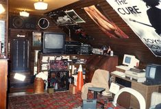 My Teenage Room 25 Years Ago Pics Nerd Room Home with regard to Awesome . can find Nerd an. Grunge Bedroom, Punk Bedroom, 70s Bedroom, Trendy Bedroom, Girls Bedroom, Casa Retro, Retro Bedrooms, Teen Bedrooms, Nerd Room