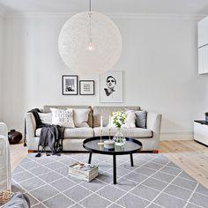 God morgon #ourwork #interior #interiör #inredare #inredning #interiordesign #inspiration #inspo123 #inspo #interior125 #vitt #ljust #design #detaljer #vardagsrum #livingroom #styling #staging #tillsalu #linnestan #husmanhagberg_goteborg cred @homestylegoteborg @lifeofmissfireblad