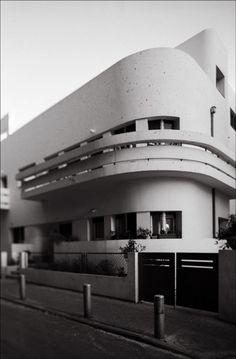 Soskin House by Israeli architect Ze'ev Rechter. 24 Herzl Street, Tel Aviv, Israel