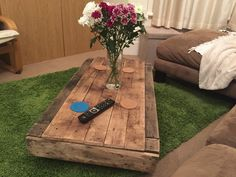 #rustic #industrialchic #palletfurniture #upcycled #reclaimed #recycled #pallets #farmhouse #shabbychic #modernliving #indoorfurniture #bournemouth #supportlocal #woodenfurniture #handbuilt #handmade #salvaged #coffetable #coffeesesh #coffee #lounge