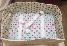 Como fazer uma bolsa para máquina de costura em tecido com zíper e bolsos