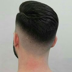 by County coiffeur Cool Hairstyles For Men, Boys Long Hairstyles, Cool Haircuts, Hairstyles Haircuts, Haircuts For Men, Hair And Beard Styles, Hair Styles, Barber Haircuts, Gents Hair Style
