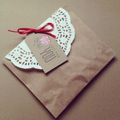 Packaging: Kraft & Doily |