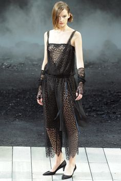 Chanel Fall 2011 Ready-to-Wear - Collection - Gallery - Style.com