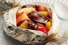 Receita de Papillote de frutas e chocolate