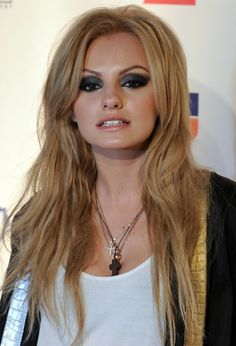 Alexandra Stan Bra Size, Age, Weight, Height, Measurements - http://www.celebritysizes.com/alexandra-stan-bra-size-age-weight-height-measurements/